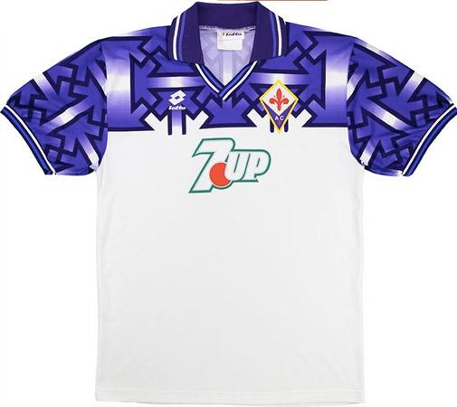 Lelijk voetbalshirt Fiorentina